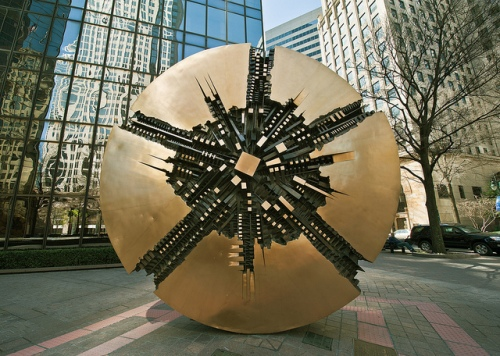 II Grande Disco by sculptor Arnaldo Parmadoro.  Photo copyright Sarah Womack, all rights reserved.